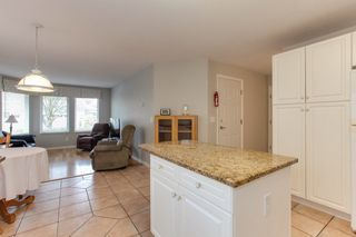 """Photo 7: 273 13888 70 Avenue in Surrey: East Newton Townhouse for sale in """"Chelsea Gardens"""" : MLS®# R2321990"""