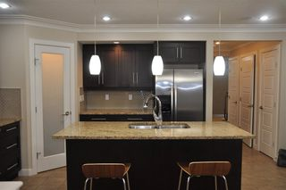 Photo 2: 7719 110 Street in Edmonton: Zone 15 House Half Duplex for sale : MLS®# E4139182