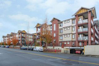 Photo 1: 105 5650 201A Street in Langley: Langley City Condo for sale : MLS®# R2331694