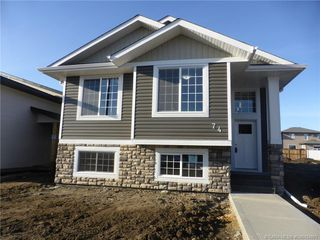 Main Photo: 74 Livingston Close in Red Deer: Laredo Residential for sale : MLS®# CA0154801