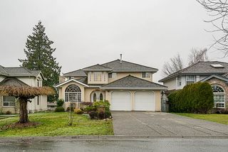 Photo 1: 7913 154 Street in Surrey: Fleetwood Tynehead House for sale : MLS®# R2334627