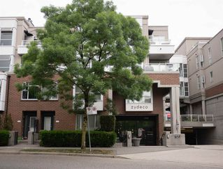 """Photo 11: 310 2768 CRANBERRY Drive in Vancouver: Kitsilano Condo for sale in """"Zydeco"""" (Vancouver West)  : MLS®# R2338988"""