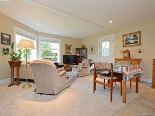 Photo 15: 834 Rainbow Cres in VICTORIA: SE High Quadra House for sale (Saanich East)  : MLS®# 805913