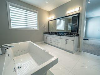 Photo 18: 3654 WESTCLIFF Way in Edmonton: Zone 56 House for sale : MLS®# E4144214