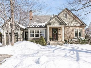 Main Photo: 569 WOODLAND Avenue in Burlington: Residential for sale : MLS®# H4047496