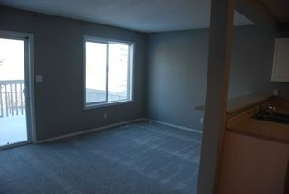 Photo 3: 34 14603 MILLER Boulevard in Edmonton: Zone 02 Townhouse for sale : MLS®# E4147098