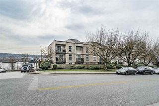 "Photo 3: 308 312 CARNARVON Street in New Westminster: Downtown NW Condo for sale in ""CARNARVON TERRACE"" : MLS®# R2351925"