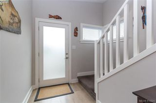 Photo 3: 1030 Boeing Close in VICTORIA: La Westhills Row/Townhouse for sale (Langford)  : MLS®# 813188