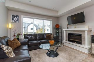 Photo 4: 1030 Boeing Close in VICTORIA: La Westhills Row/Townhouse for sale (Langford)  : MLS®# 410221