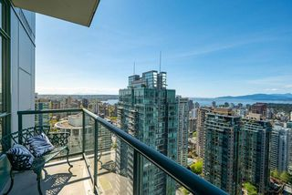 "Photo 2: 3501 1239 W GEORGIA Street in Vancouver: Coal Harbour Condo for sale in ""VENUS"" (Vancouver West)  : MLS®# R2367323"