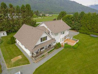 Photo 12: 6230 TOLMIE Road in Abbotsford: Sumas Prairie House for sale : MLS®# R2372564