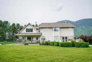 Photo 8: 6230 TOLMIE Road in Abbotsford: Sumas Prairie House for sale : MLS®# R2372564