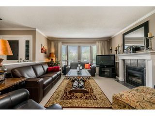 """Photo 3: 14165 17A Avenue in Surrey: Sunnyside Park Surrey House for sale in """"Ocean Bluff"""" (South Surrey White Rock)  : MLS®# R2373616"""