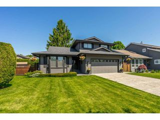 """Photo 1: 14165 17A Avenue in Surrey: Sunnyside Park Surrey House for sale in """"Ocean Bluff"""" (South Surrey White Rock)  : MLS®# R2373616"""