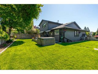 """Photo 18: 14165 17A Avenue in Surrey: Sunnyside Park Surrey House for sale in """"Ocean Bluff"""" (South Surrey White Rock)  : MLS®# R2373616"""