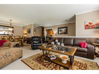 """Photo 4: 14165 17A Avenue in Surrey: Sunnyside Park Surrey House for sale in """"Ocean Bluff"""" (South Surrey White Rock)  : MLS®# R2373616"""