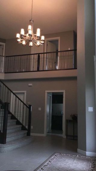 Photo 2: 6526 Mann Lane NW in Edmonton: Zone 14 House for sale : MLS®# E4159914