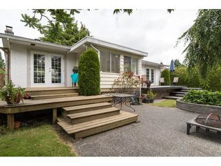 Photo 2: 15658 BROOME Road in Surrey: King George Corridor House for sale (South Surrey White Rock)  : MLS®# R2376769