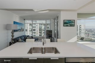 "Photo 4: 1707 110 SWITCHMEN Street in Vancouver: Mount Pleasant VE Condo for sale in ""LIDO"" (Vancouver East)  : MLS®# R2378768"