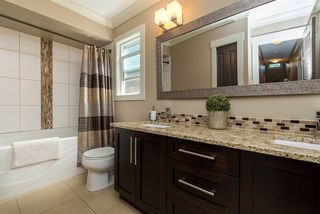 Photo 13: 2115 SANDSTONE Drive in Abbotsford: Abbotsford East House for sale : MLS®# R2379663