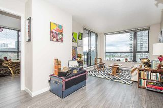 Photo 9: 906 813 AGNES Street in New Westminster: Downtown NW Condo for sale : MLS®# R2382886