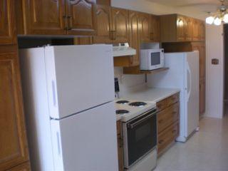 Photo 5: 405 17519 98A Avenue NW in Edmonton: Zone 20 Condo for sale : MLS®# E4163045