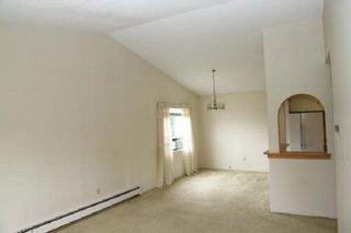 """Photo 10: 303 33400 BOURQUIN Place in Abbotsford: Central Abbotsford Condo for sale in """"Bakerview Place"""" : MLS®# R2385590"""