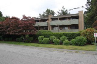 """Photo 2: 303 33400 BOURQUIN Place in Abbotsford: Central Abbotsford Condo for sale in """"Bakerview Place"""" : MLS®# R2385590"""