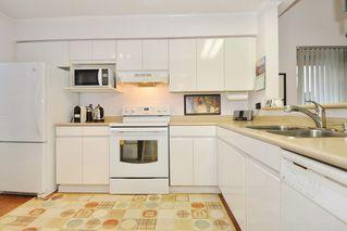 "Photo 6: 402 3065 PRIMROSE Lane in Coquitlam: North Coquitlam Condo for sale in ""LAKESIDE TERRACE"" : MLS®# R2400343"