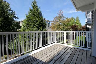 "Photo 10: 209 20750 DUNCAN Way in Langley: Langley City Condo for sale in ""Fairfield Lane"" : MLS®# R2401176"