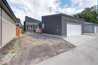 Photo 16: 10 Greenlawn Street in Winnipeg: Residential for sale (1C)  : MLS®# 202000390