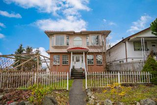 Main Photo: 3405 E PENDER Street in Vancouver: Renfrew VE House for sale (Vancouver East)  : MLS®# R2433939