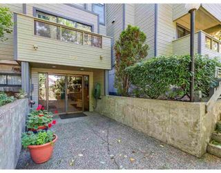 Main Photo: 302 225 MOWAT STREET in New Westminster: Uptown NW Condo for sale : MLS®# R2432963