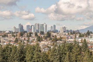 """Photo 11: 1702 7388 SANDBORNE Avenue in Burnaby: South Slope Condo for sale in """"MAYFAIR PLACE"""" (Burnaby South)  : MLS®# R2477838"""