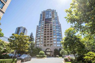 """Photo 16: 1702 7388 SANDBORNE Avenue in Burnaby: South Slope Condo for sale in """"MAYFAIR PLACE"""" (Burnaby South)  : MLS®# R2477838"""