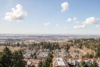 """Photo 9: 1702 7388 SANDBORNE Avenue in Burnaby: South Slope Condo for sale in """"MAYFAIR PLACE"""" (Burnaby South)  : MLS®# R2477838"""