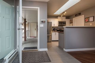 "Photo 4: 207 1750 MCKENZIE Road in Abbotsford: Poplar Townhouse for sale in ""ALDERGLEN"" : MLS®# R2489259"