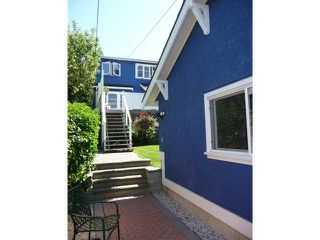 Photo 2: 3059 W KING EDWARD Avenue in Vancouver: Dunbar House for sale (Vancouver West)  : MLS®# V897781