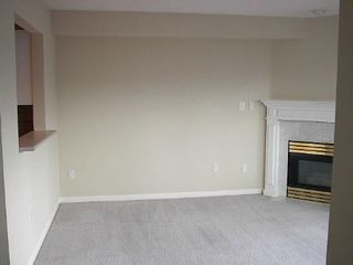 Photo 2: HUGE 1-BR IN KITSILANO!