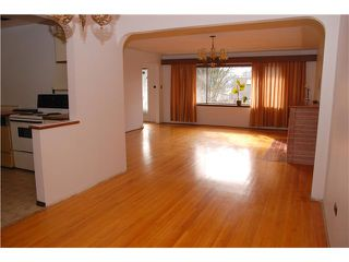 Photo 3: 7761 12TH Avenue in Burnaby: East Burnaby House for sale (Burnaby East)  : MLS®# V1000111