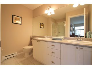 """Photo 13: 18 6785 193RD Street in Surrey: Clayton Townhouse for sale in """"MADRONA"""" (Cloverdale)  : MLS®# F1405903"""