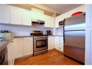 """Photo 6: 18 6785 193RD Street in Surrey: Clayton Townhouse for sale in """"MADRONA"""" (Cloverdale)  : MLS®# F1405903"""