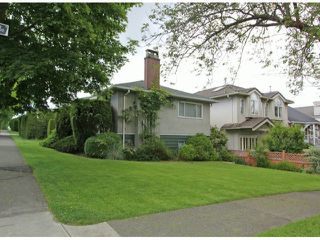 Photo 2: 1701 E 33RD Avenue in Vancouver: Knight House for sale (Vancouver East)  : MLS®# V1071824