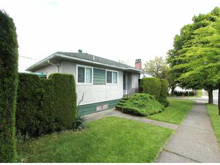 Photo 3: 1701 E 33RD Avenue in Vancouver: Knight House for sale (Vancouver East)  : MLS®# V1071824