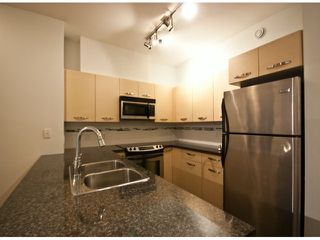 "Photo 3: 119 33539 HOLLAND Avenue in Abbotsford: Central Abbotsford Condo for sale in ""The Crossing"" : MLS®# F1427624"