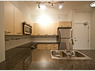 "Photo 4: 119 33539 HOLLAND Avenue in Abbotsford: Central Abbotsford Condo for sale in ""The Crossing"" : MLS®# F1427624"