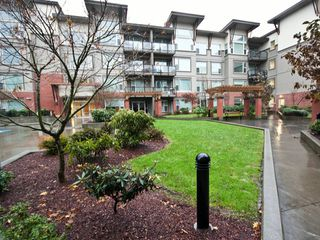 "Photo 20: 119 33539 HOLLAND Avenue in Abbotsford: Central Abbotsford Condo for sale in ""The Crossing"" : MLS®# F1427624"