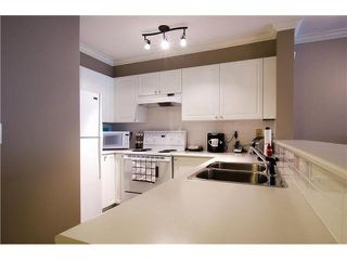 "Photo 5: 215 1363 56TH Street in Tsawwassen: Cliff Drive Condo for sale in ""Windsor Woods"" : MLS®# V1114935"