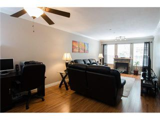 """Photo 3: 215 1363 56TH Street in Tsawwassen: Cliff Drive Condo for sale in """"Windsor Woods"""" : MLS®# V1114935"""