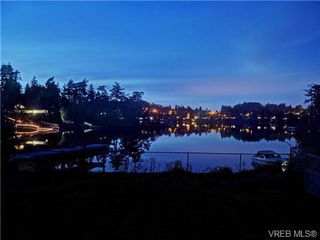 Photo 2: 2898 Murray Dr in VICTORIA: SW Portage Inlet House for sale (Saanich West)  : MLS®# 699084